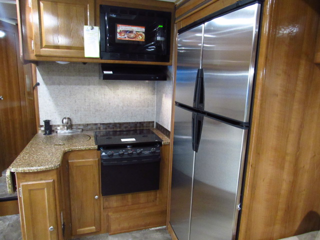 2017 Coachmen Leprechaun 260DSF