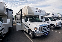 2017 Coachmen Leprechaun Series M-319