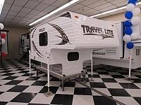 2017 TRAVEL LITE INC 690FD