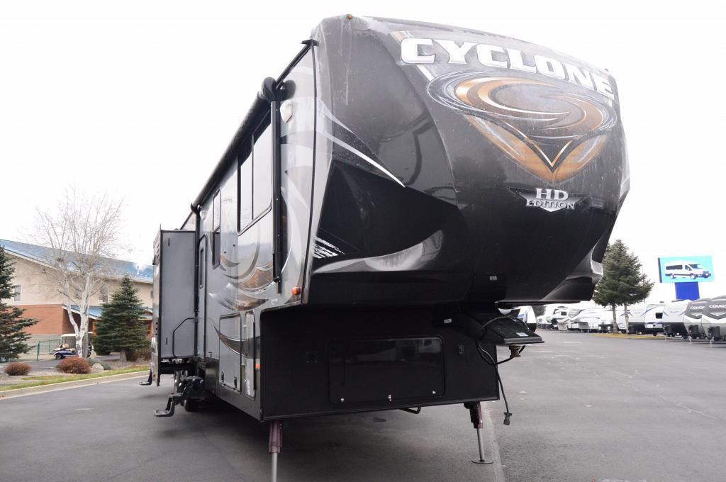 2015 CYCLONE 39500