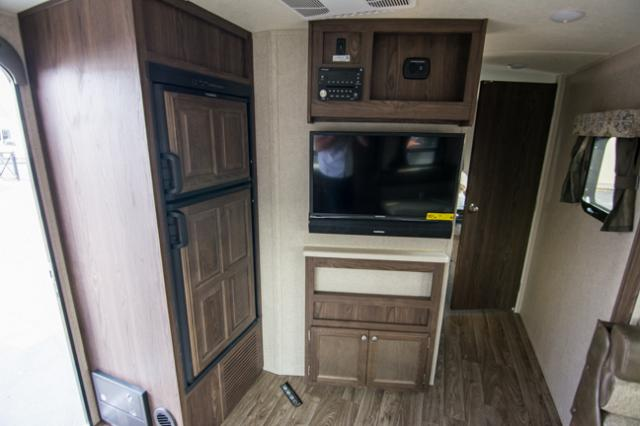 2018 Forest River Flagstaff 25FKS