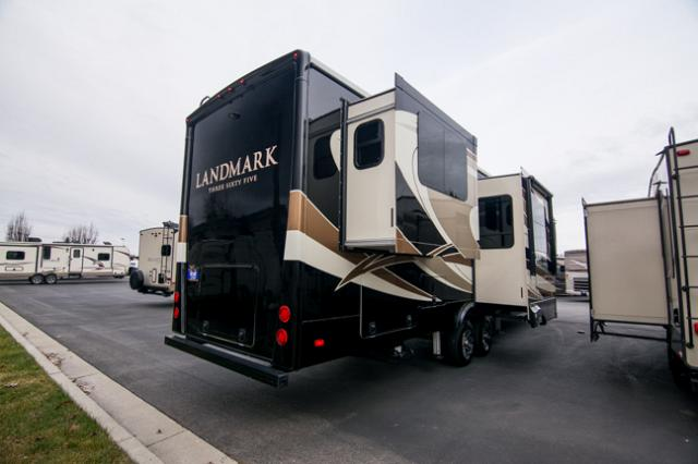 2018 Heartland Landmark Phoenix