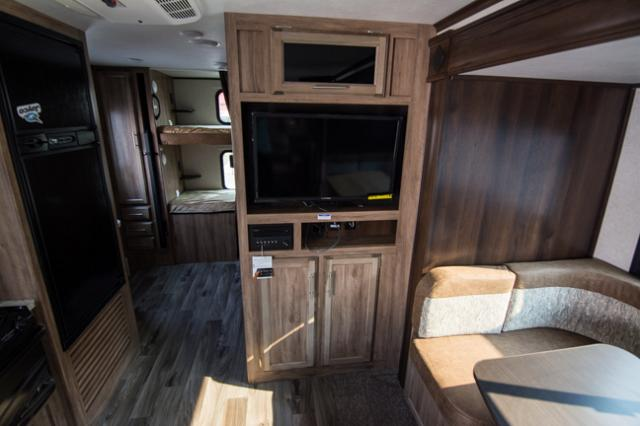 Jayco  Bhm Jay Feather  Travel Trailer