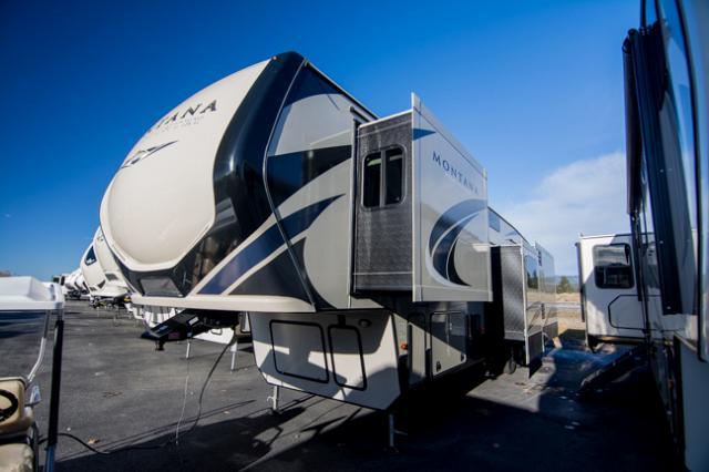 2018 Keystone Montana 384BR